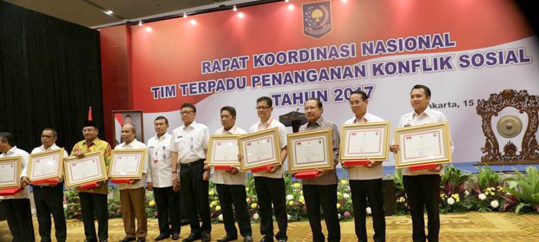 LAMPUNG POST | Lampung Kembali Raih Peringkat Pertama Nasional Penanganan Konflik 2017