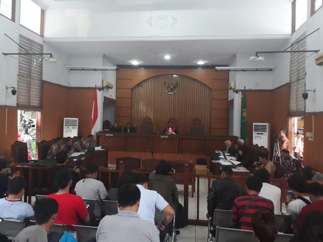 LAMPUNG POST | Kubu Novanto Hadirkan 3 Saksi Ahli