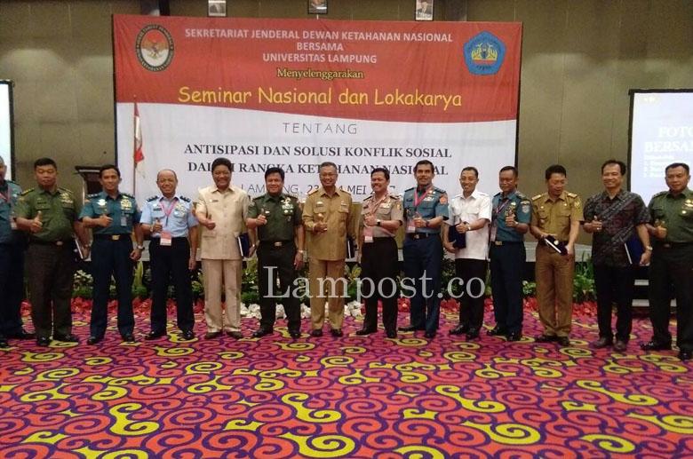 LAMPUNG POST | Dewan Ketahanan Nasional-Unila Gelar Seminar Penanganan Konflik Sosial