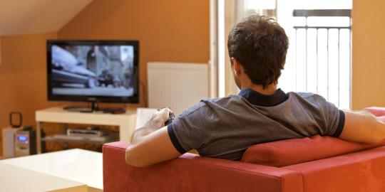 LAMPUNG POST | Menonton Televisi dan Kematian