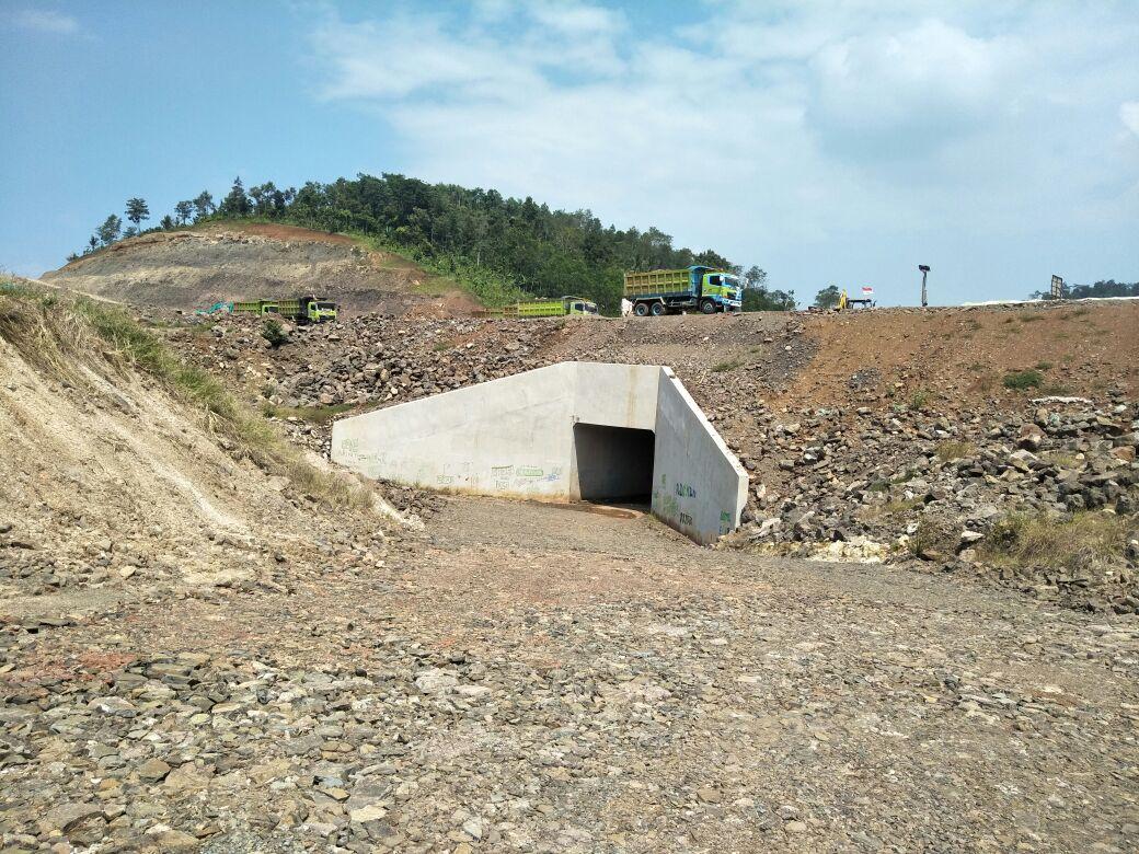 Warga Desa Bakauheni Minta Flyover di Jalan Tol