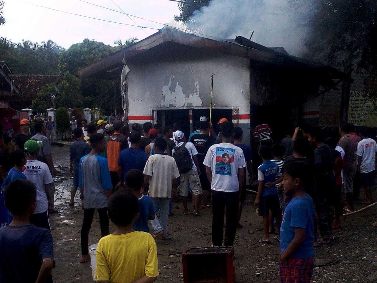 Kios Bahan Bakar di Hanura Terbakar, Seorang Karyawan Luka Bakar