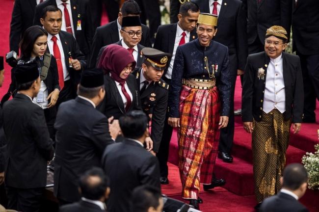 Dirgahayu Indonesia! Merdeka, Merdeka, Merdeka!