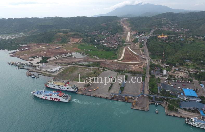 LAMPUNG POST | Tinggi Gelombang Selat Sunda Aman untuk Penyeberangan