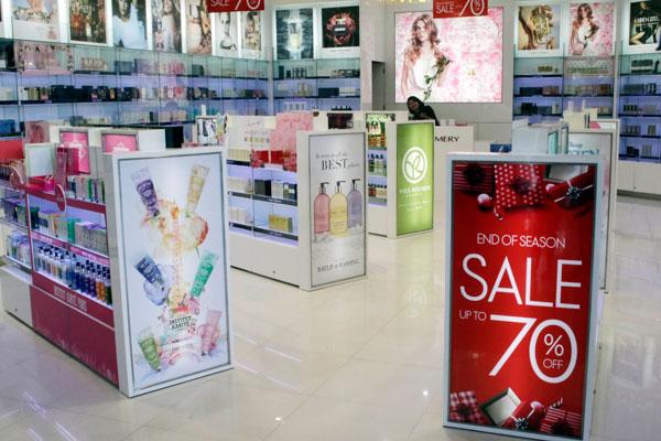 LAMPUNG POST | Parfum Mewah Potong Harga hingga 70 Persen