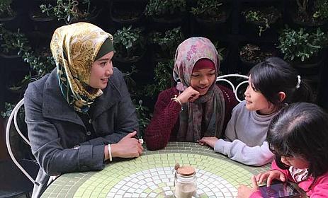 LAMPUNG POST | Perlunya Mengajak Anak Berdiskusi