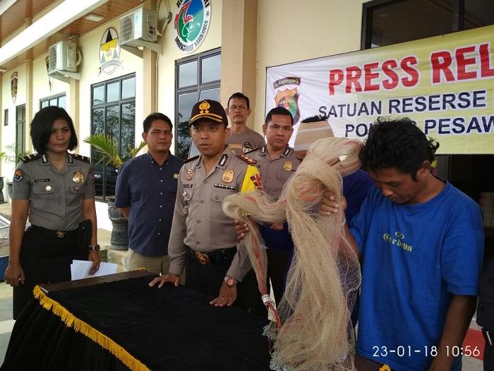 LAMPUNG POST | Polres Pesawaran Buru Lima DPO Kasus Pencurian Udang