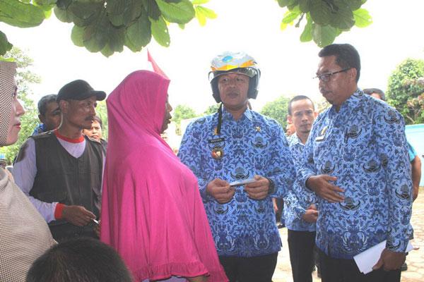 LAMPUNG POST   Bupati Lampung Tengah Sidak Disdukcapil