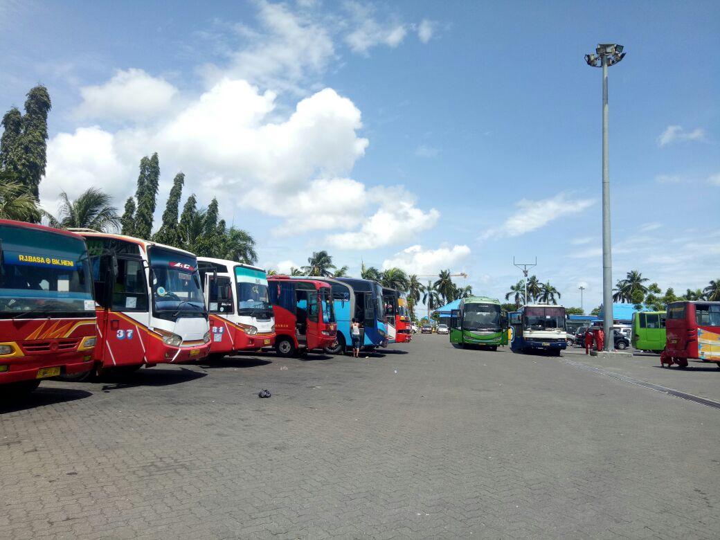 Bus Bantuan Datang, Penumpang di Terminal Pelabuhan Bakauheni Terangkut