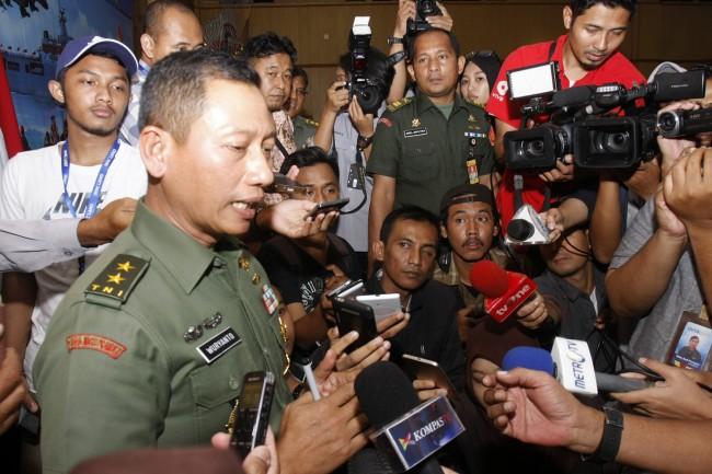 LAMPUNG POST | Tunggu Regulasi Baru, TNI Masih Tahan Amunisi Polri