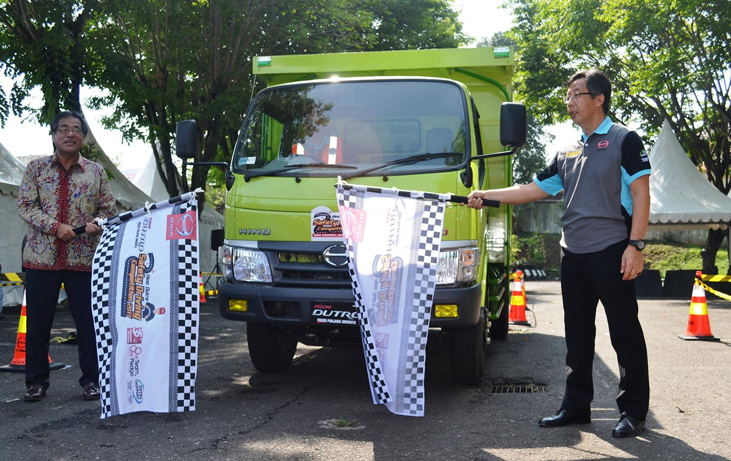 LAMPUNG POST | Hino Dutro Safety Driving Competition Digelar di Semarang