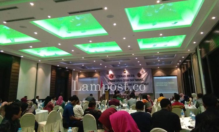 LAMPUNG POST | FKPT-BNPT Gelar Seminar Cegah Paham Radikalisme dan Terorisme