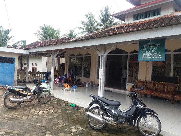 Pengungsi Korban Banjir di Bekri Masih Bertahan
