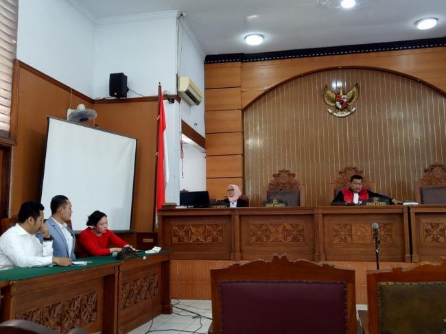 LAMPUNG POST | Hakim Tolak Gugatan Praperadilan Miryam