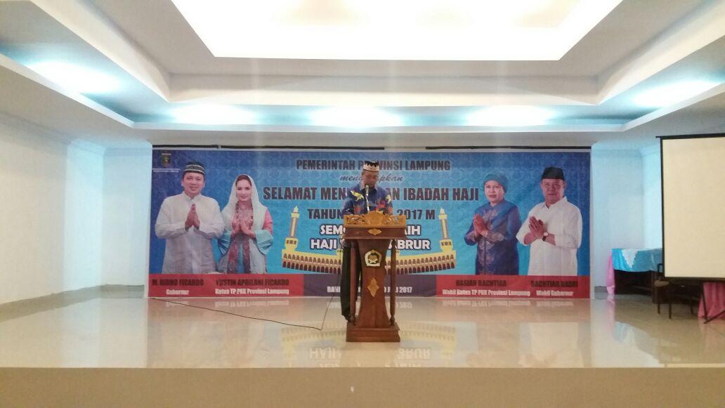 LAMPUNG POST   Pemprov Lampung Lepas 393 Jemaah Calhaj Menuju Tanah Suci