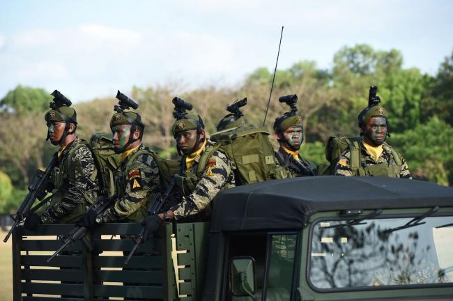 LAMPUNG POST | Militer Filipina Bebaskan ABK Vietnam dari Sandera Abu Sayyaf