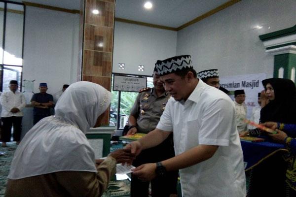 LAMPUNG POST | Dendi Safari Ramadan ke Desa Pesawaran Indah
