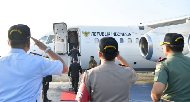 LAMPUNG POST   Pantau Latihan Perang TNI, Jokowi Bertolak ke Natuna