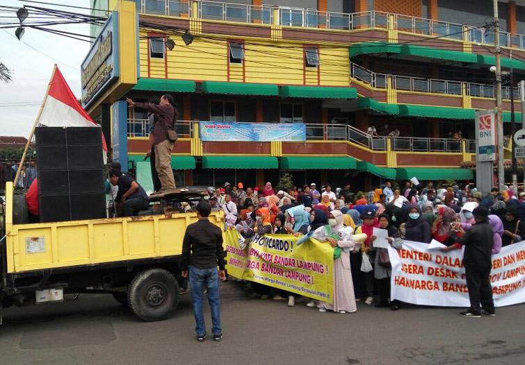LAMPUNG POST | Massa Aksi Damai Mulai Bergerak ke Kantor Gubernur