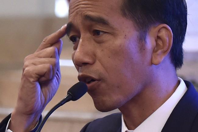 LAMPUNG POST | Jokowi Heran Indonesia Masih Berkubang di Pusaran Korupsi