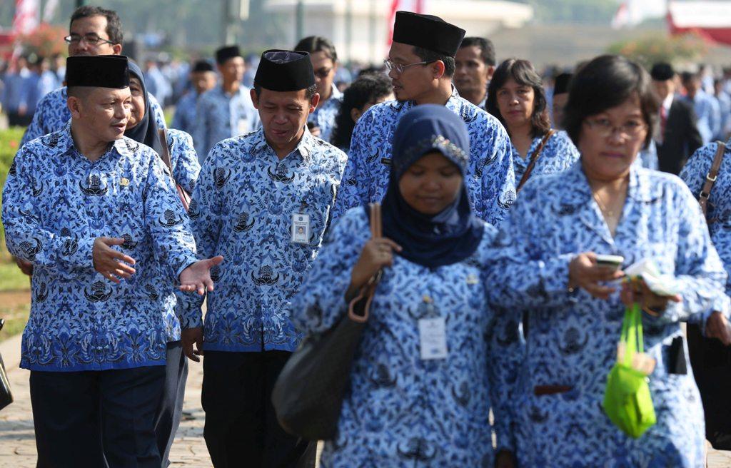 LAMPUNG POST | Jokowi Perintahkan Rekrutmen PNS Lebih Selektif