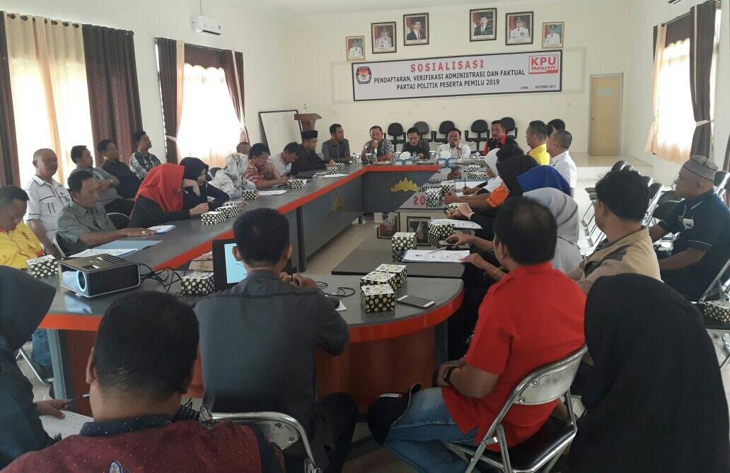 LAMPUNG POST | KPU Lampung Barat Sosialisasi Tahapan Verifikasi Parpol