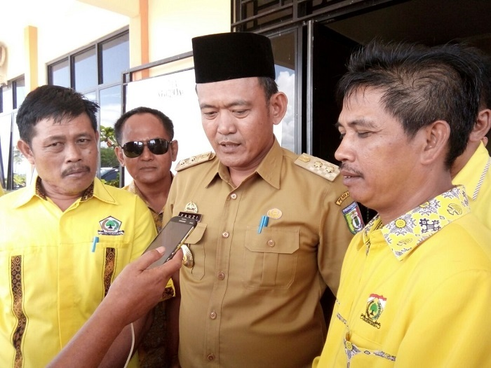 LAMPUNG POST   Fauzi Hadiri Pendaftaran Partai Golkar Pringsewu di KPU