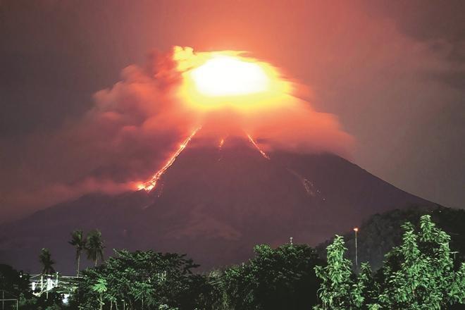LAMPUNG POST   Gunung Kusatsu-Shirane di Jepang Meletus