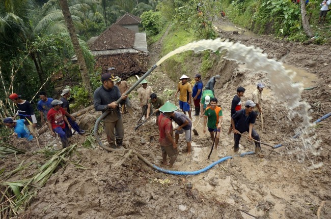 Korban Tewas Banjir dan Longsor di Pacitan Bertambah Jadi 24 Orang