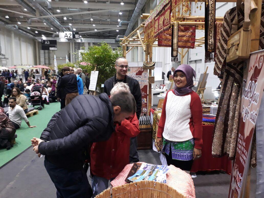 LAMPUNG POST | Tapis Lampung Timur Jadi Brand Ambassador Market Tourism