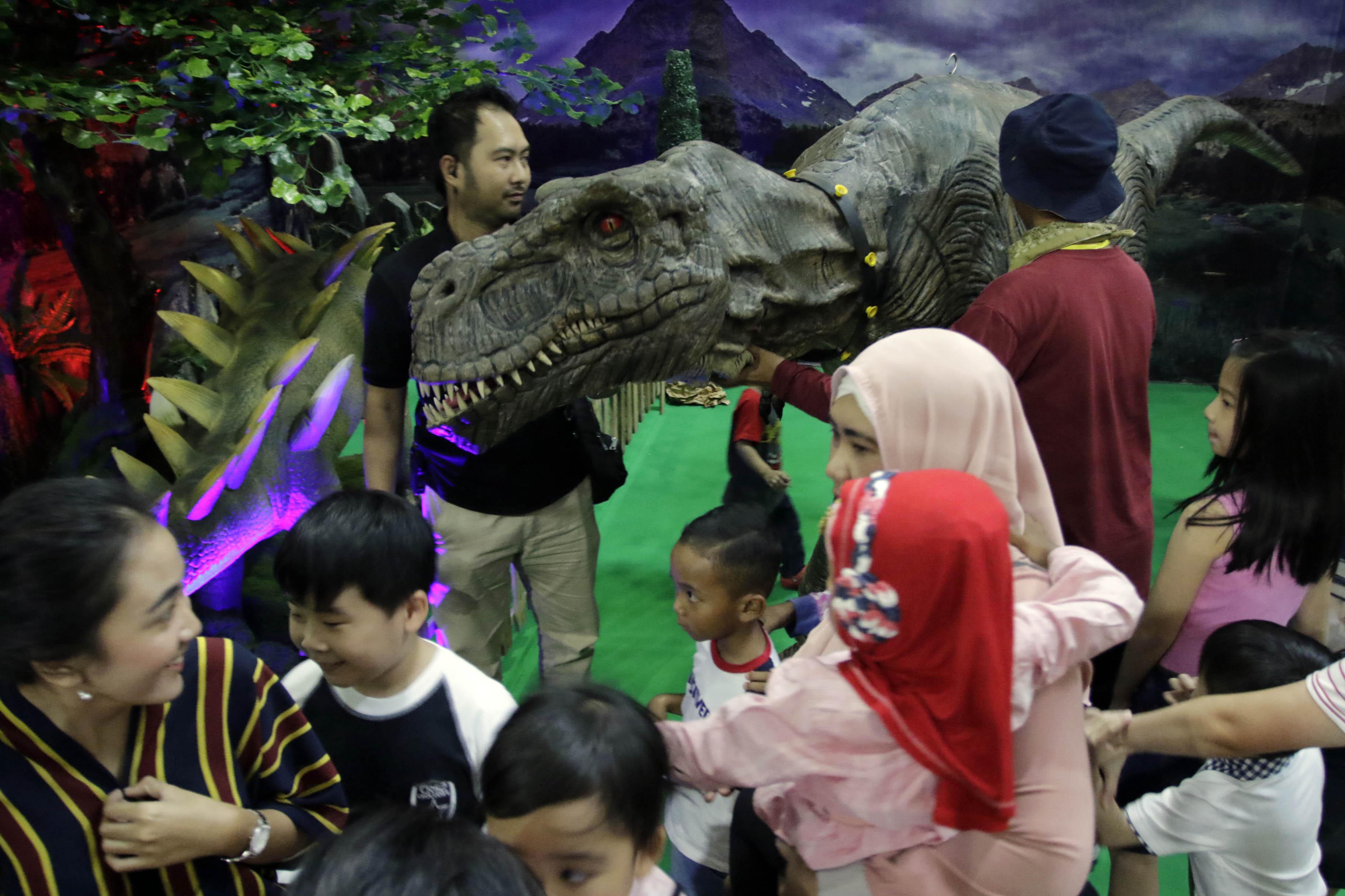Petualangan Bersama Dino Adventure
