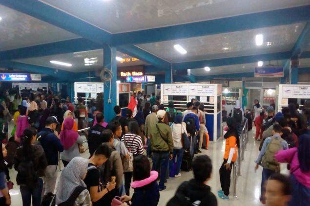 LAMPUNG POST | Gelombang Pemudik Tujuan Sumatera Terus Berdatangan