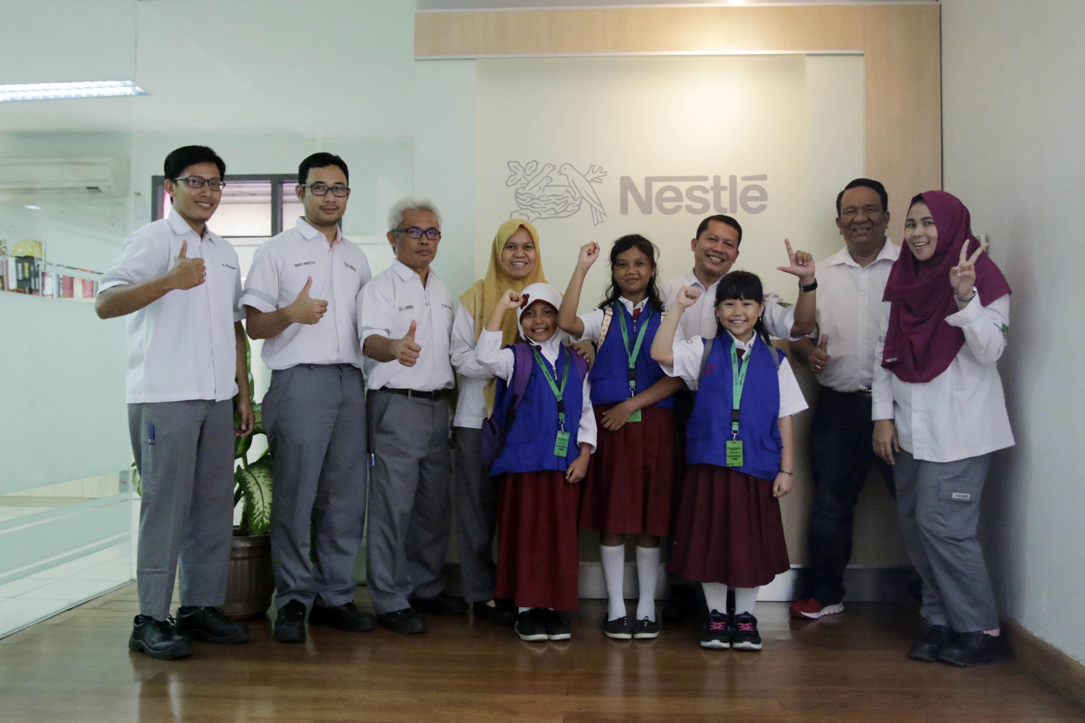 LAMPUNG POST | Berwisata di Pabrik Go Green Nestle