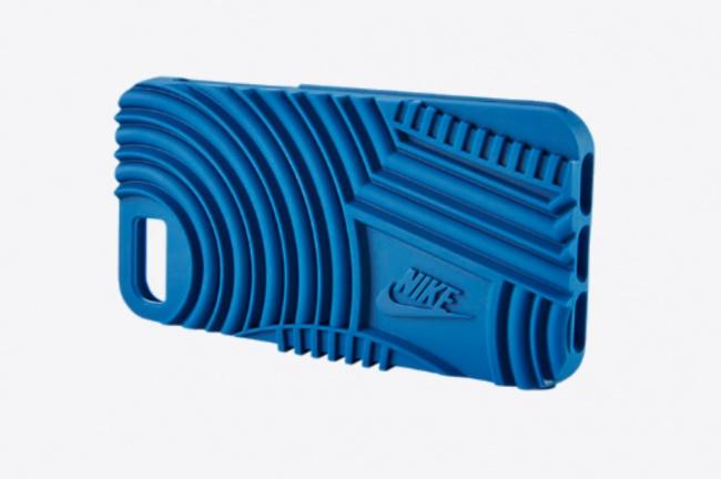 LAMPUNG POST | Casing Spesial Nike iPhone 7 Diklaim Lebih Tahan Banting