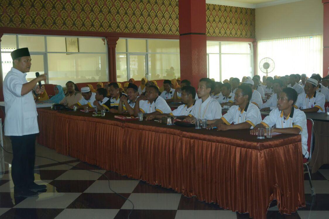 LAMPUNG POST   Mustafa Isi Sekolah Kepemimpinan Partai BPKS