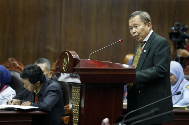 LAMPUNG POST | PPP Tolak Usul Henry Yosodiningrat Soal Pembekuan KPK