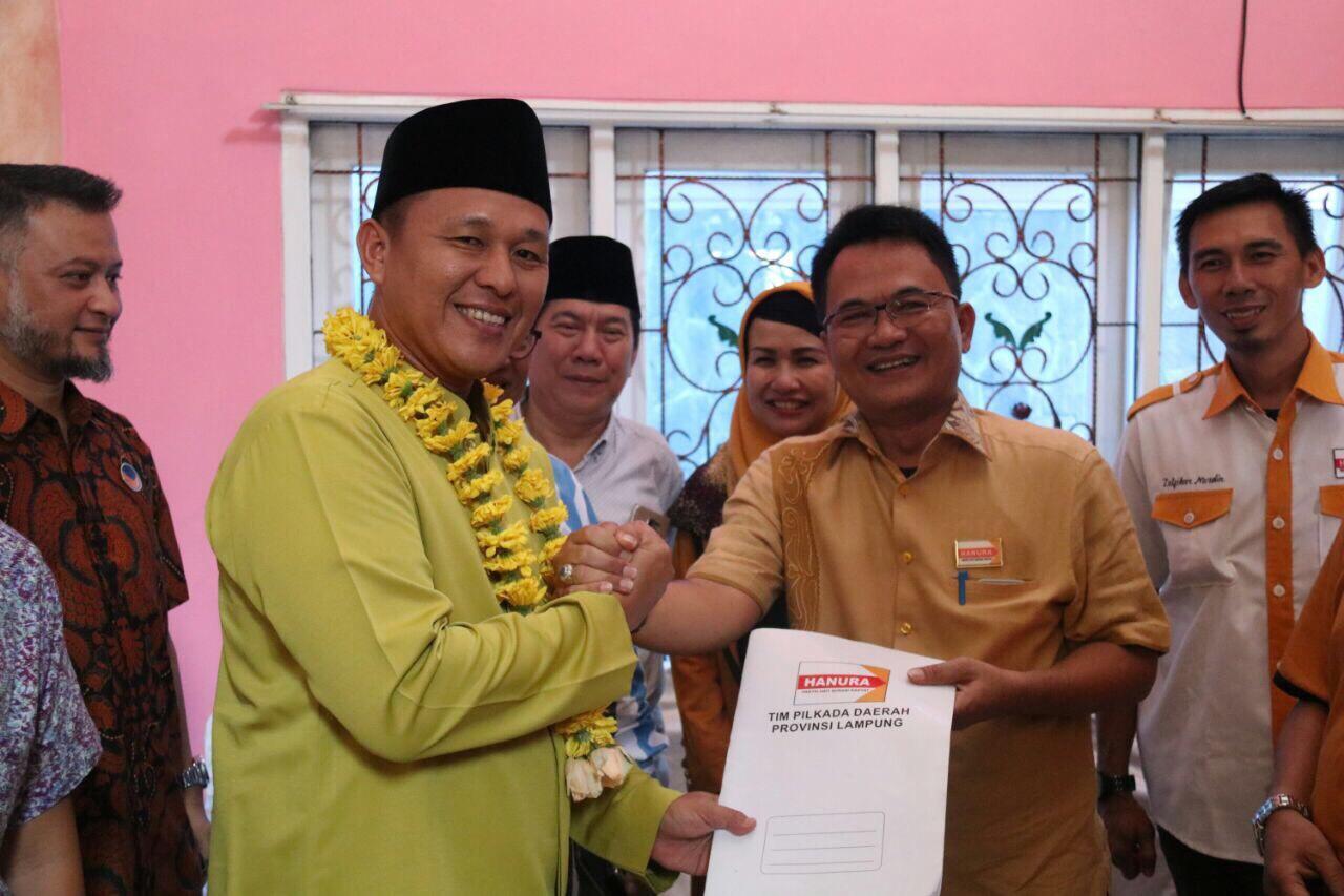 LAMPUNG POST | Hanura Tetap Usung Mustafa Siapa pun Wakilnya