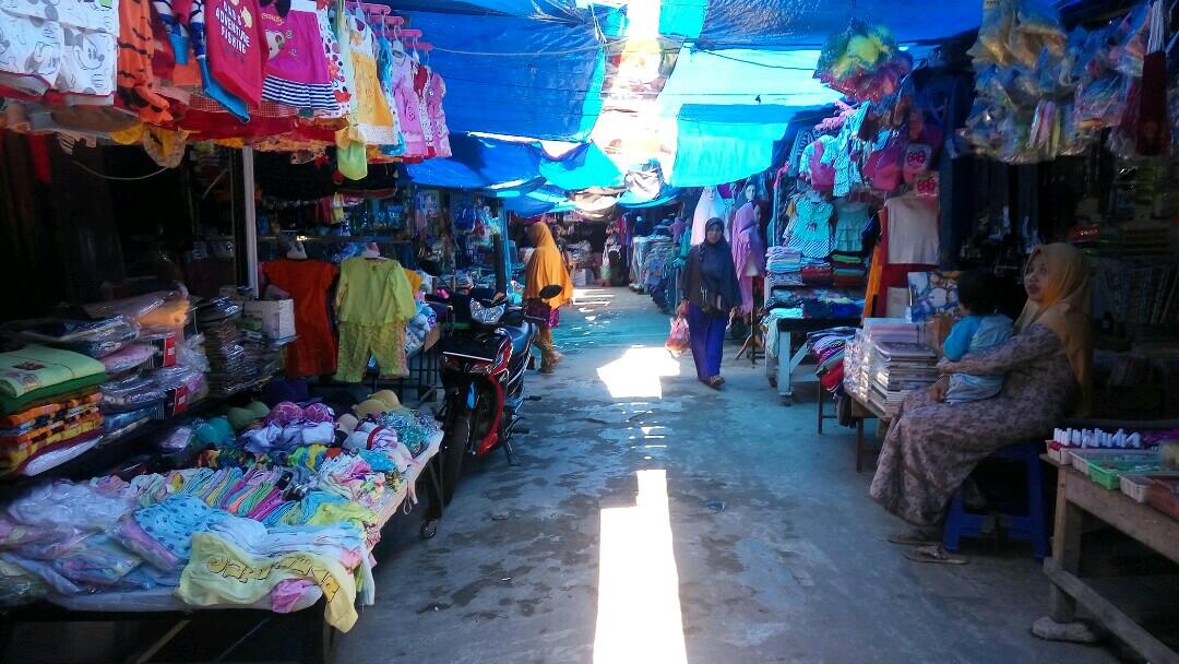 LAMPUNG POST | Pedagang Pasar Inpres Kalianda Khawatirkan Terjadinya Kebakaran