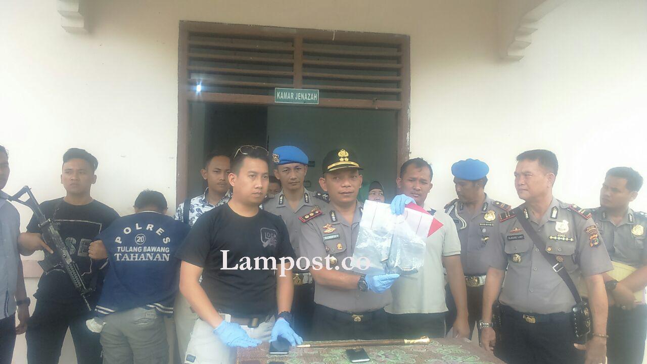 LAMPUNG POST | Dua Kawanan Perampok Toko di Tulangbawang Barat Ditangkap, Satu Tewas