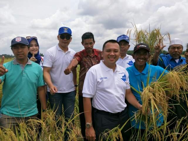 Ridho Rangkul Petani Dongkrak Hasil Panen
