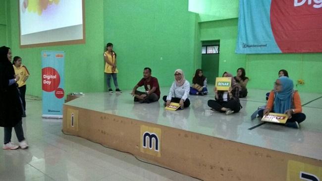 LAMPUNG POST | Indosat Helat Digital Day di 15 SMA di Lampung