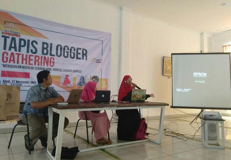LAMPUNG POST | Tapis Blogger Gathering Ajang Menggali Ilmu