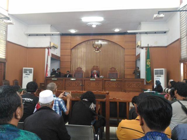 LAMPUNG POST | Ini 7 Tuntutan Setya Novanto di Sidang Praperadilan