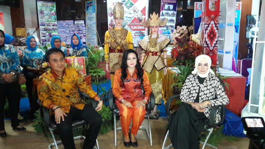 Bupati Winarti Instruksikan Penggunaan Batik Lokal