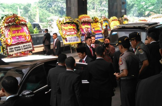 LAMPUNG POST   Jokowi Hadiri Pernikahan Anak Buwas dan Budi Gunawan