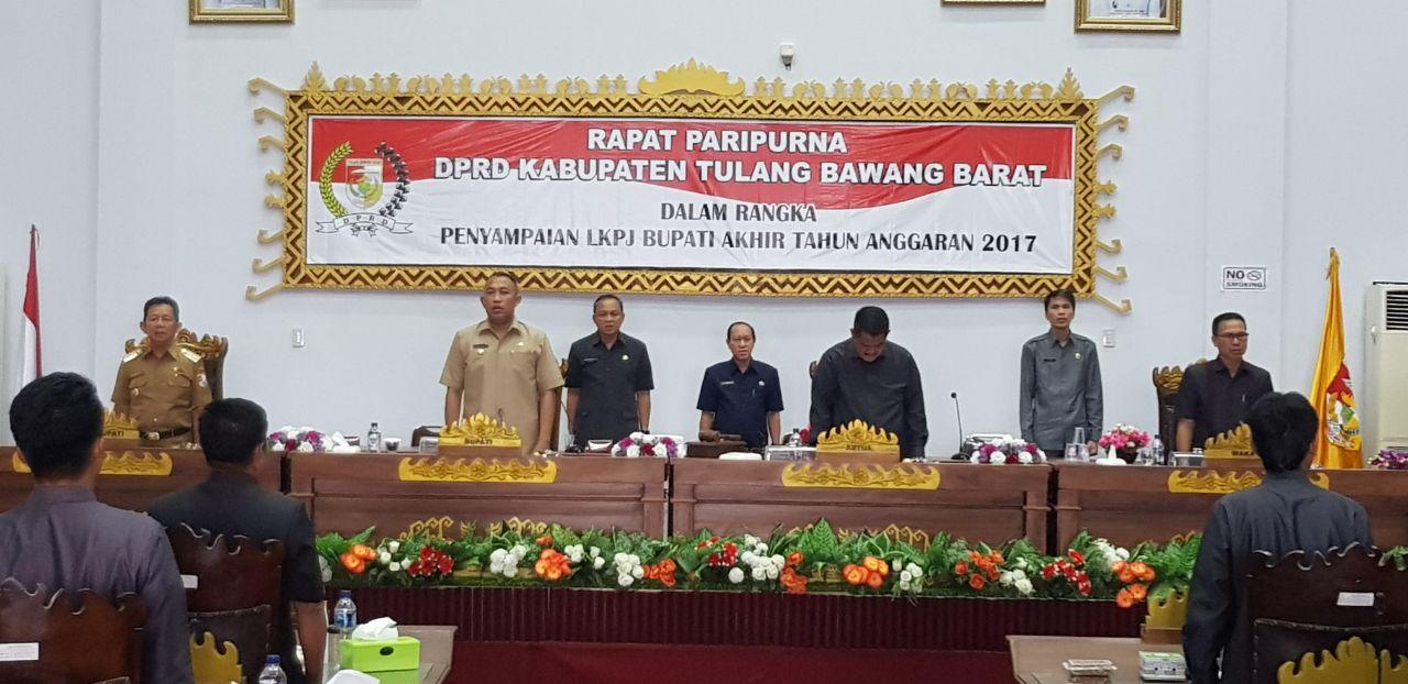 Bupati Umar Ahmad Sampaikan LKPJ 2017 Dalam Rapat Paripuna