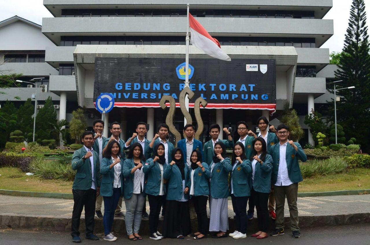 LAMPUNG POST | UKM PSBH Unila Ikut Lomba Peradilan Semu di Jakarta