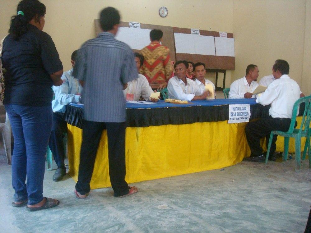 LAMPUNG POST | Polres Lamsel Gelar Pasukan Pengamanan Pilkades Serentak