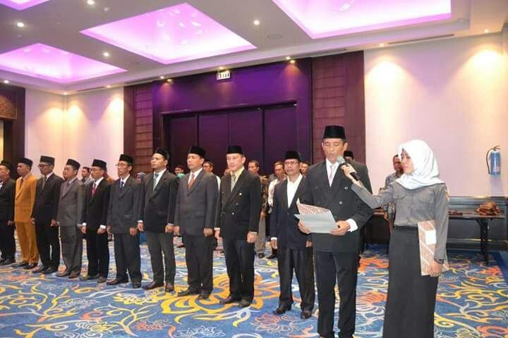LAMPUNG POST | 15 Sekretaris Panwaskab Dilantik