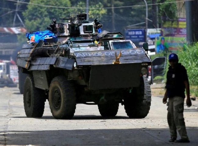 LAMPUNG POST | Filipina Tangkap Anggota Senior Kelompok Maute di Pos Pemeriksaan